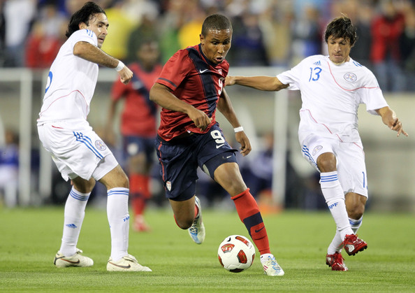 Juan Agudelo (center) needs to be starting for the United States in order to increase the overall skill level and offensive threat of the United States.