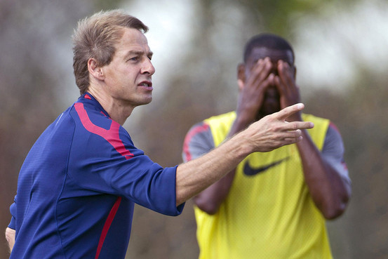 Jürgen Klinsmann (left) has been making illogical tactical decisions as the coach of the USMNT. © Associated Press