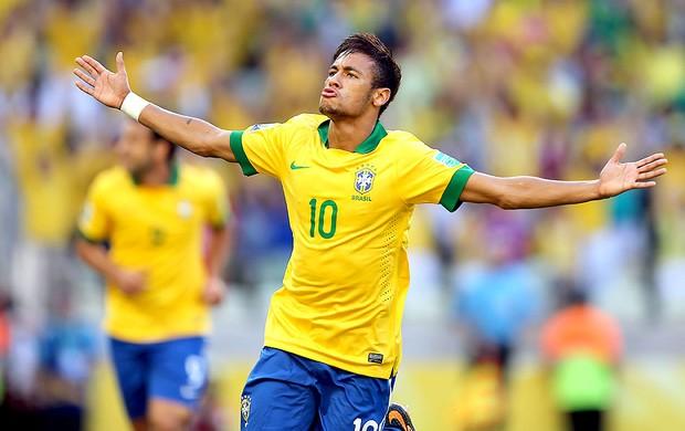 Neymar scores a golaço again. (Foto: Jefferson Bernardes / Vipcomm)