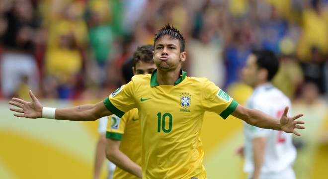 Neymar opened the scoring with a half-volleyed golaço. (Photo: Vanderlei Almeida/AFP)