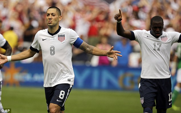 Clint Dempsey (left) and Jozy Altidore (right). (Photo: AP)