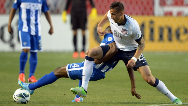 Geoff Cameron (20) allows Michael Bradley to be more involved in the attack. (Photo: USA Today Sports)